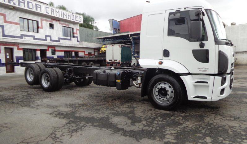FordCargo 2431 Chassis cheio